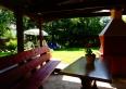 altana z grillem w ogrodzie